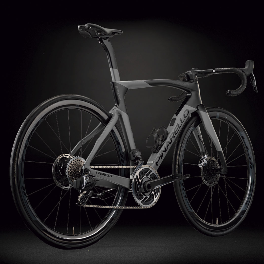 1-Pinarello-DOGMAF12Disk-A567-t-Lateral