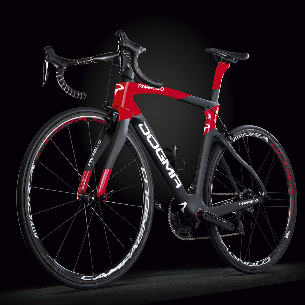 2-Pinarello-DOGMAF12-A565-d-Lateral